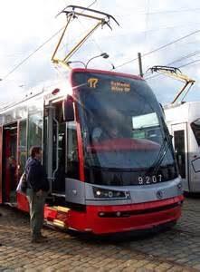 Low-floor model tram