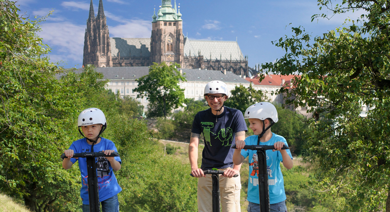 segway-experience_-3-hour-prague-parks-tour-15